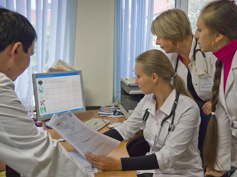 Картинки по запросу прием кардиолога в СПб